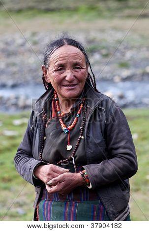 Mulher tibetana