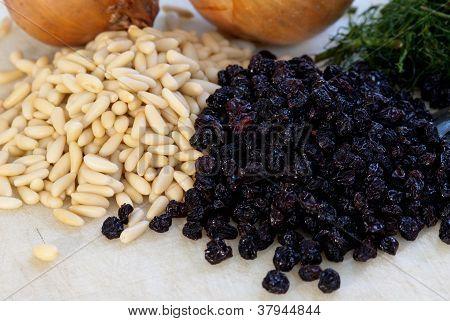 Raisins And Pine Nuts
