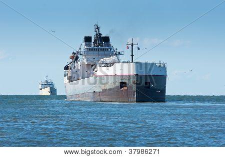eingehende Frachter