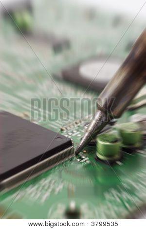 Circuit Repair Zoomed