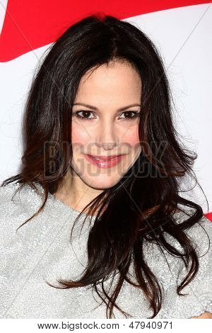 LOS ANGELES - JUL 11:  Mary-Louise Parker arrives at the