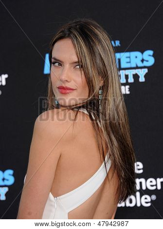 LOS ANGELES - JUN 17:  Alessandra Ambrosio arrives to the '