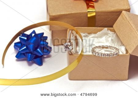 Diamond Presents