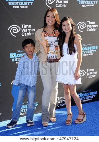 LOS ANGELES - JUN 17:  Ming-Na Wen arrives to the '
