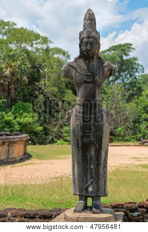 Statue On Ancient Kind