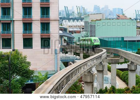 Short Monorail Train