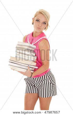 Frau In Rosa und schwarzen Streifen Bücher Kissy Gesicht