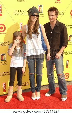 Kate Beckinsale with Len Wiseman and family  at the 11th Anniversary Of P.S. Arts 'Express Yourself 2008'. Barker Hanger, Santa Monica, CA. 11-15-08