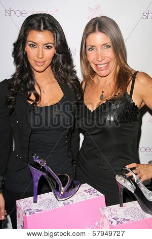 Kim Kardashian and Heather Michaels at an AMA Gifting Suite by ShoeDazzle.com, Gibson Guitars, Beverly Hills, CA 11-21-08