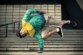 Hip Hop Street Dancer