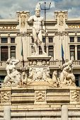 picture of messina  - View at the Fontana del Nettuno in Messina  - JPG