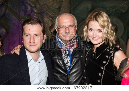 MOSCOW - JUNE, 26: R. Gigineishvili,  Nikita Mikhalkov, N. Mikhalkova. �?��?�¡harity  foundation Russian Siluet. Fashion show  at the Russian Academy of art . June 26, 2014 in Moscow, Russia