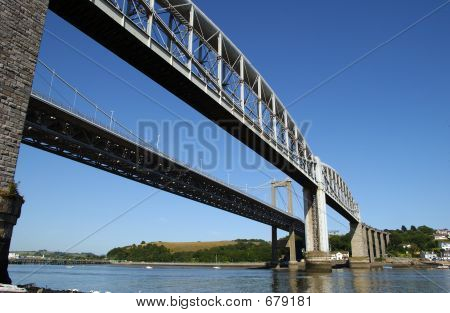 Tamar Brücke 2