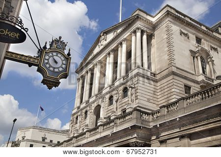 LONDON, UK - JUNE 30, 2014: Building Bank of England, city of London business aria