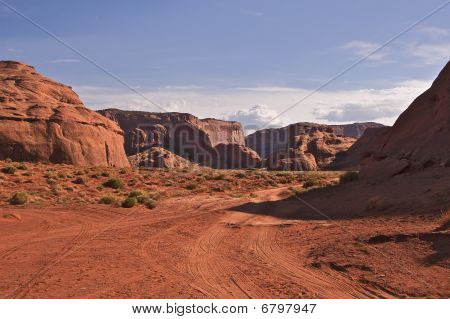 Road through Monument Valley