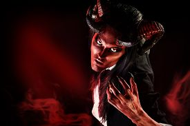 foto of hade  - Portrait of a devil with horns - JPG