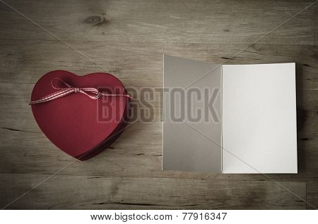 Heart Gift Box And Blank Card - Vintage