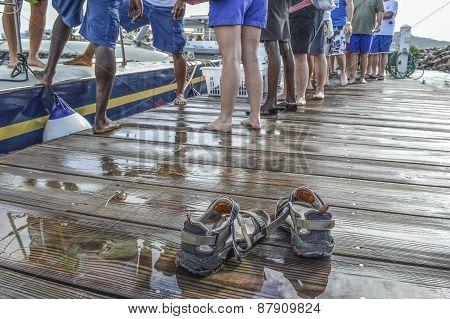 Barefoot Cruise