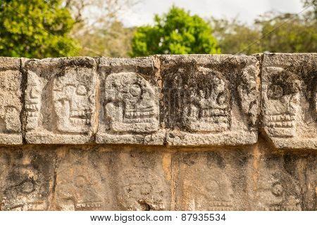 Wall of skulls, Tzompantli
