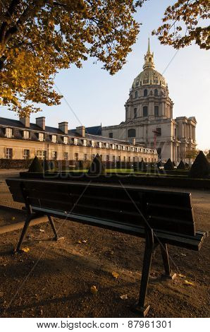 Les Invalides Bench