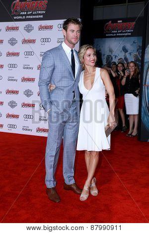 LOS ANGELES - FEB 13:  Chris Hemsworth, Elsa Pataky at the