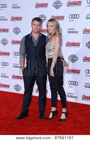 LOS ANGELES - FEB 13:  Luke Hemsworth, Samantha Hemsworth at the