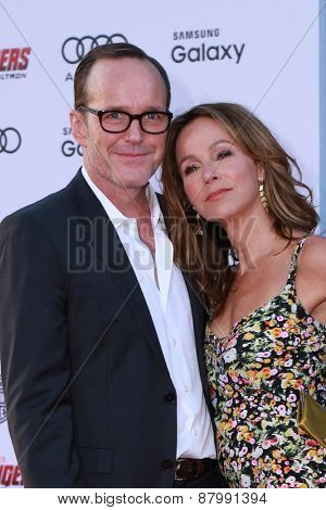 LOS ANGELES - FEB 13:  Clark Gregg, Jennifer Grey at the