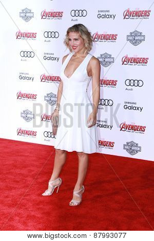 LOS ANGELES - FEB 13:  Elsa Pataky at the