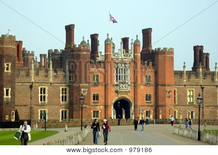 Hampton Court House