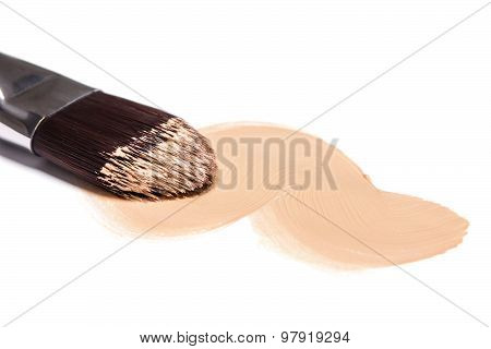 Liquid Foundation With Makeup Brush