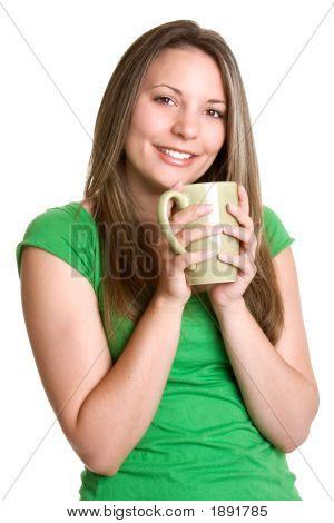 Frau trinkt