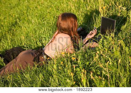 Girl,Grass,Laptop