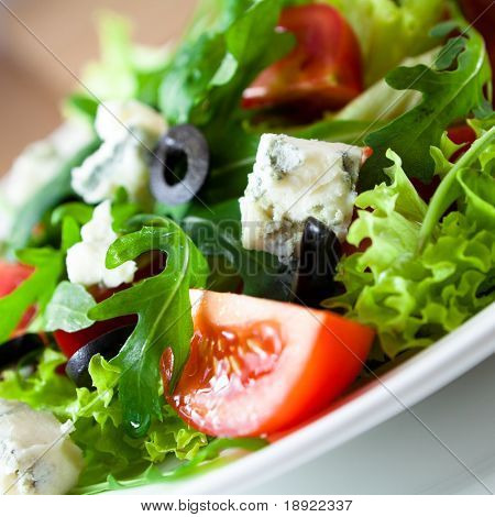 Salad with gorgonzola cheese