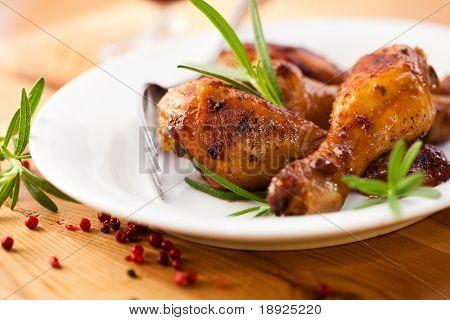 Gegrilltes Hähnchen mit frischer Rosmarin