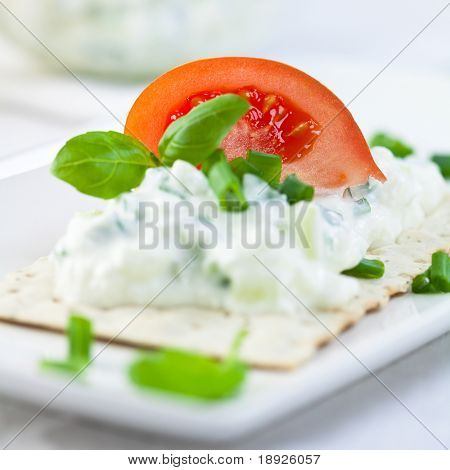 Crispbread with fresh quark,tomato and herbs