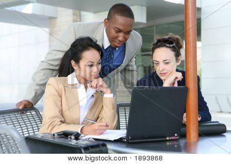 Vielfältige Business-Gruppe