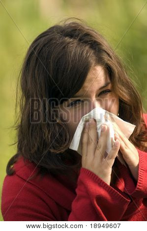 Pretty woman sneeze. Allergy season