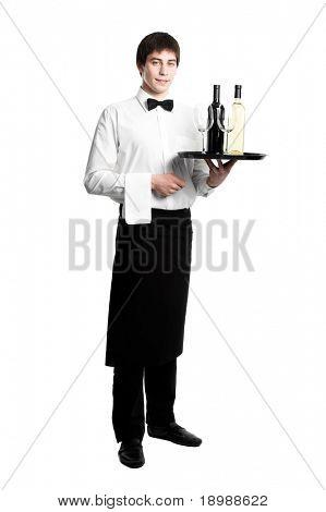 Sumiller camarero con botella de vidrio blanco rojo vino y copas en bandeja