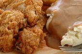 picture of fried chicken  - Fried chicken with mashed potatoes and gravy - JPG