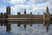 pic of big-ben  - Big Ben and the Houses Of Parliament in London England - JPG