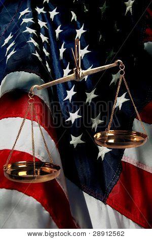 US-amerikanischer Judikative der Regierung und us-Flagge.