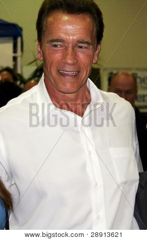 Arnold Alois Schwarzenegger (nascido em 30 de julho de 1947) é um austríaco americano bodybuilder, ator, um