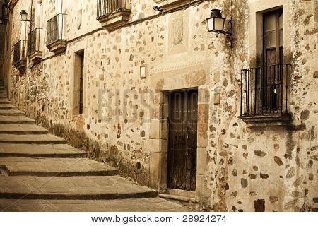 antiken mittelalterlichen Straße bei Unesco Stadt Caceres.
