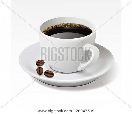 Taza de café negro aislado en blanco