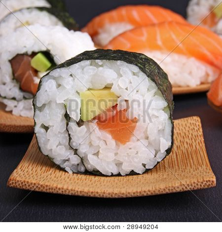 sushi maki avocado salmon