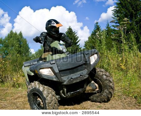 Sportler Reiten Quad-bike