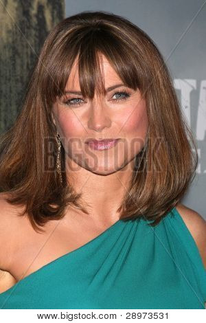 LOS ANGELES - JAN 18:  Lucy Lawless. arrives at  the