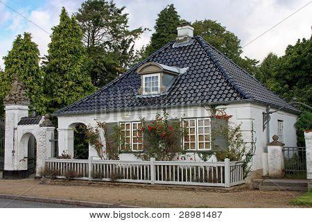 gatehouse to Søllerød castle