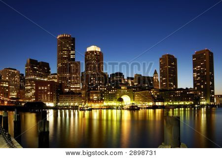 Boston Skyline bei Nacht