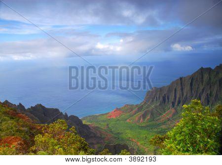 Napali Valley Along The Coast Of Kauai, Hawaii